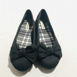 American Eagle Woman's Black Flats Size 5